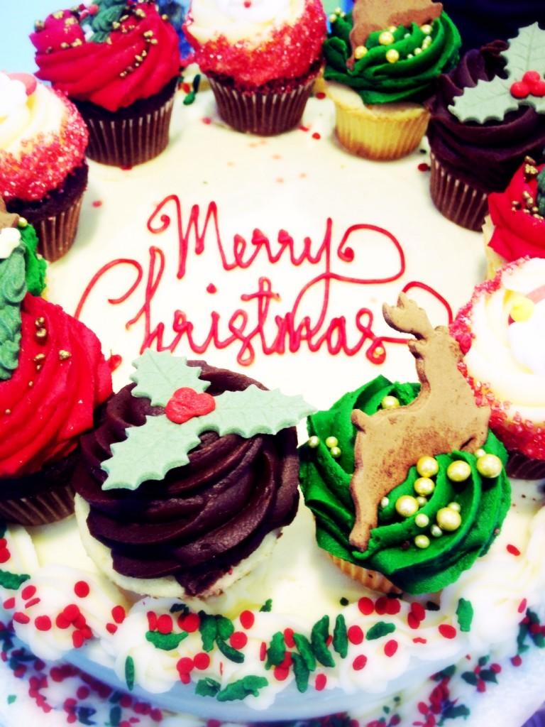 lolas cupcake cake