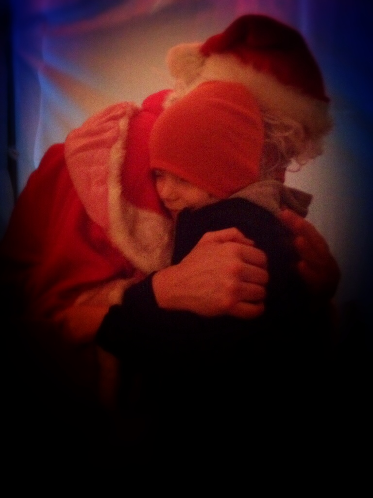 squeezes with santa