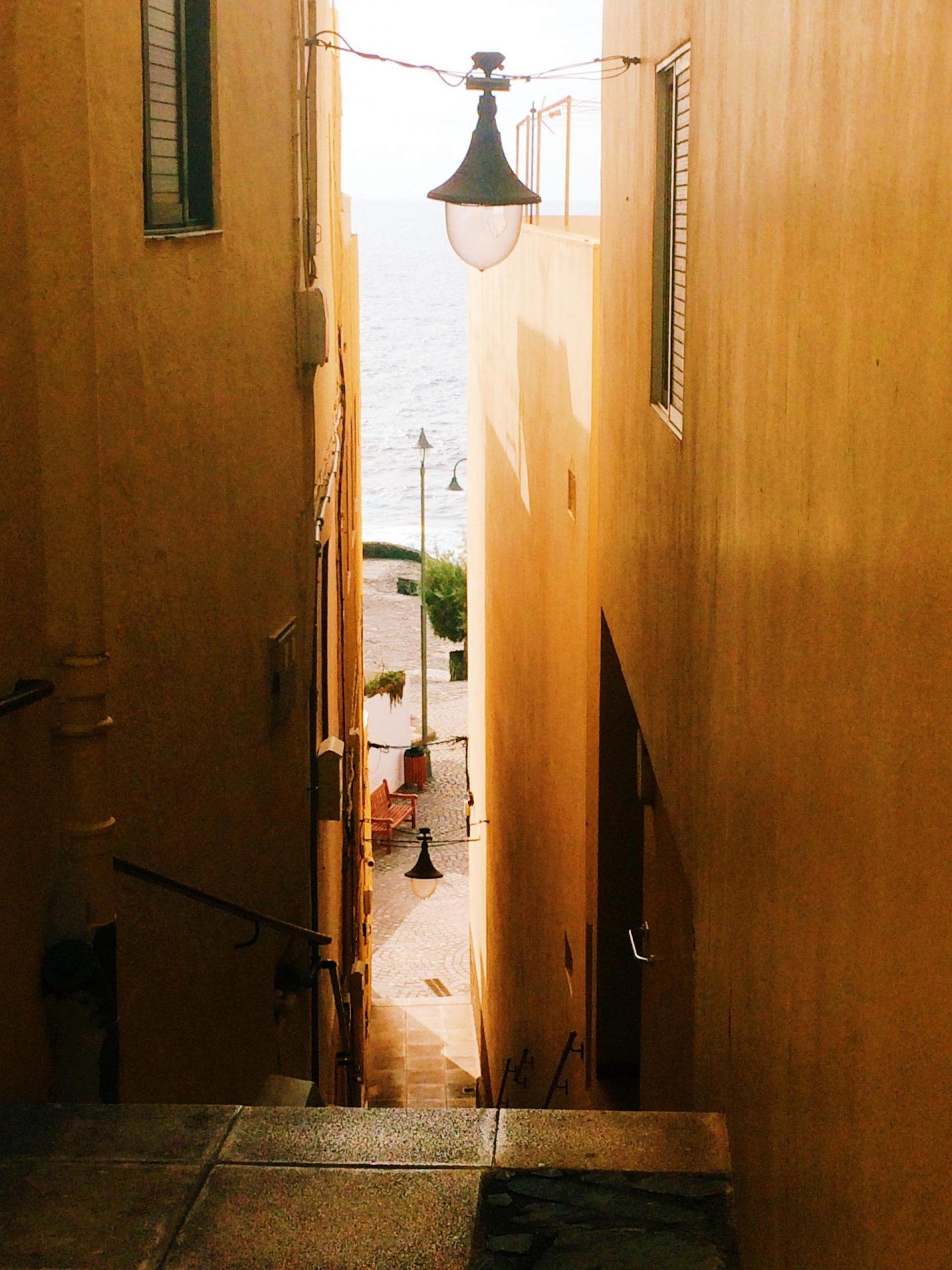 sea alley